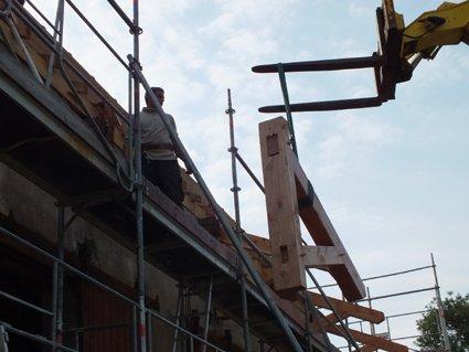 Article 8 :Fazhuitte : pose des consoles et pannes des débords de toit!  foto64