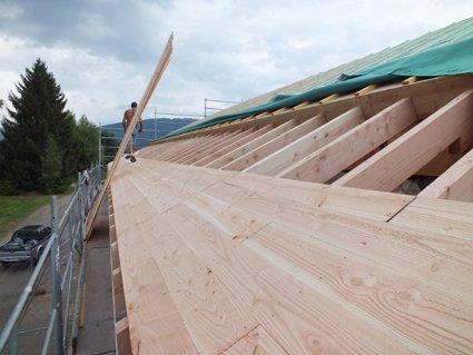 article 9 fazneufh chevrons et volige des d bords de toit chantierrico. Black Bedroom Furniture Sets. Home Design Ideas